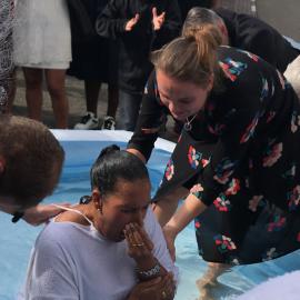 Femke baptizing Yamilet